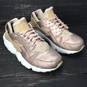 Nike Air Huarache Premium Bronze Size 9